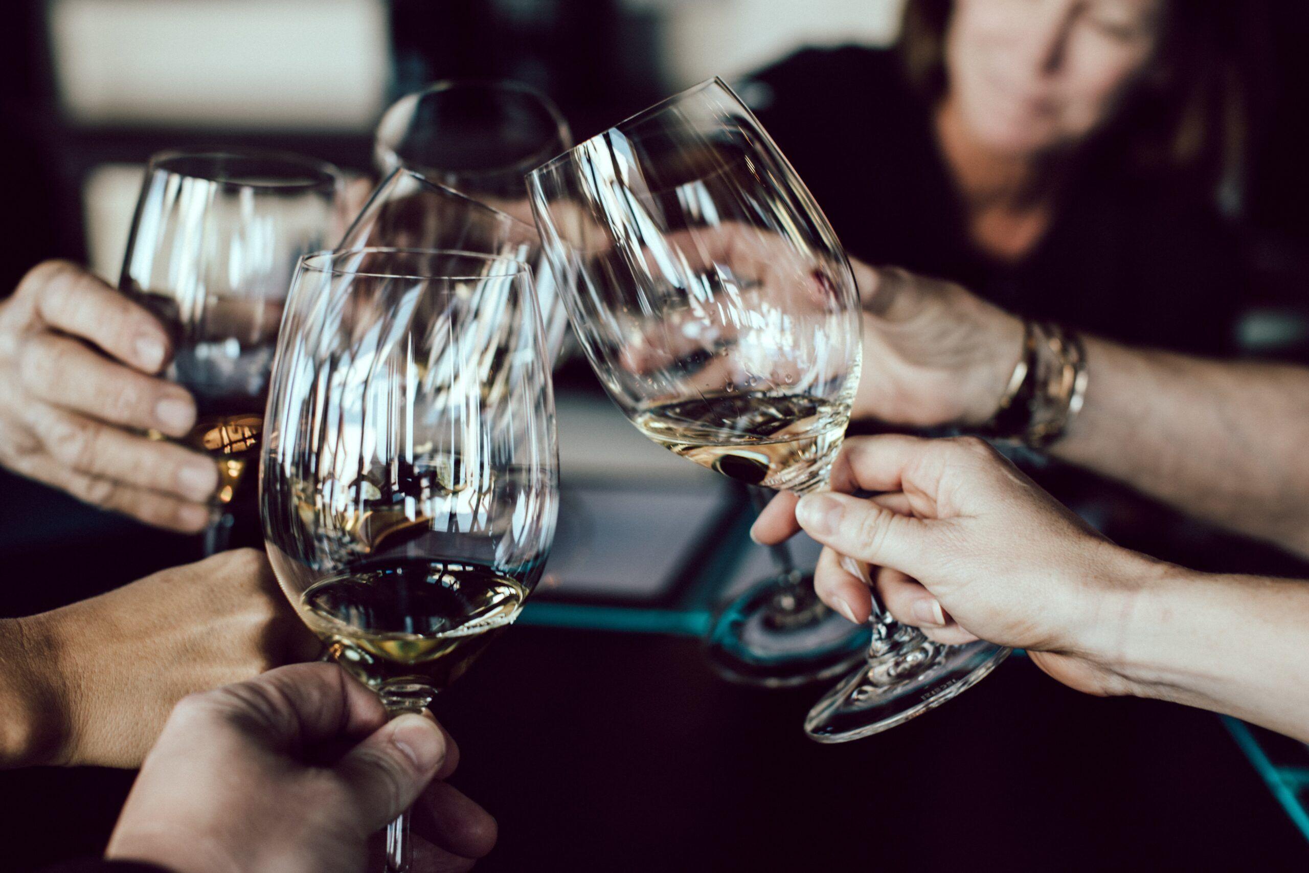 Regalar copas de vino