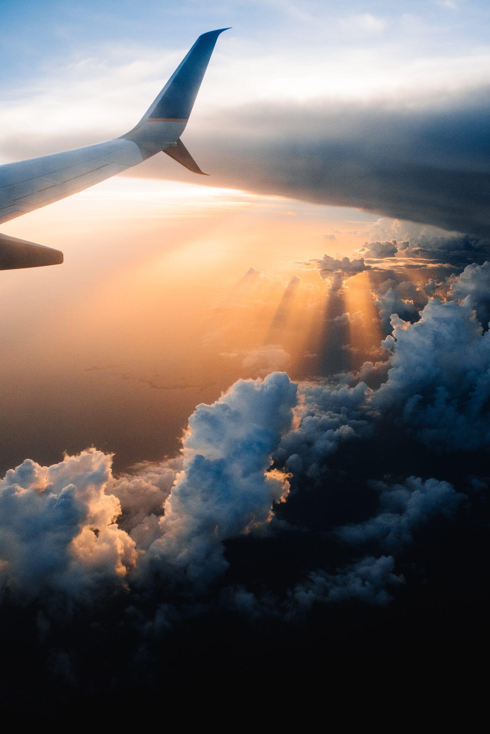 cómo llevar bebidas en un avión