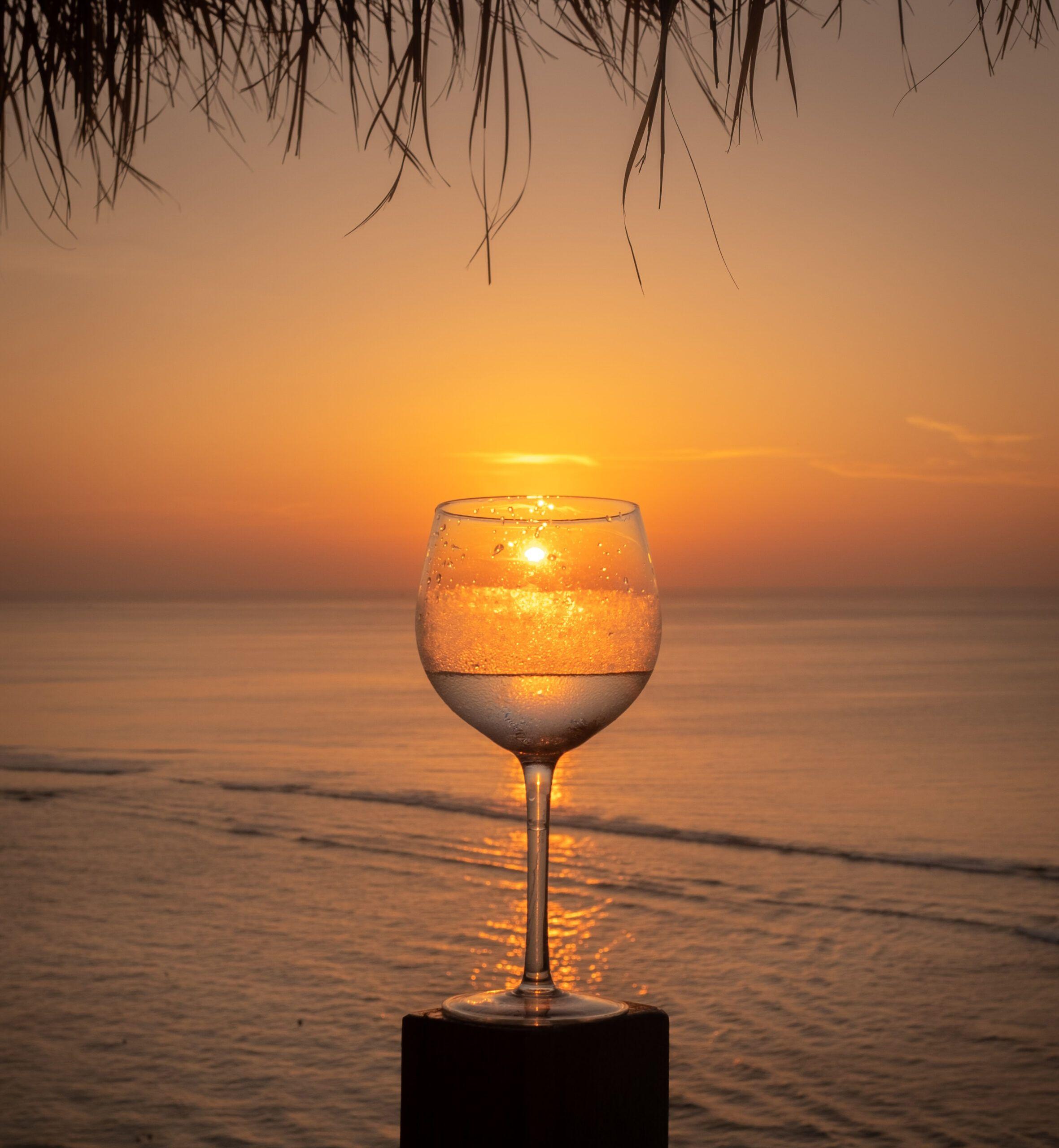 vino blanco para tomar en la playa