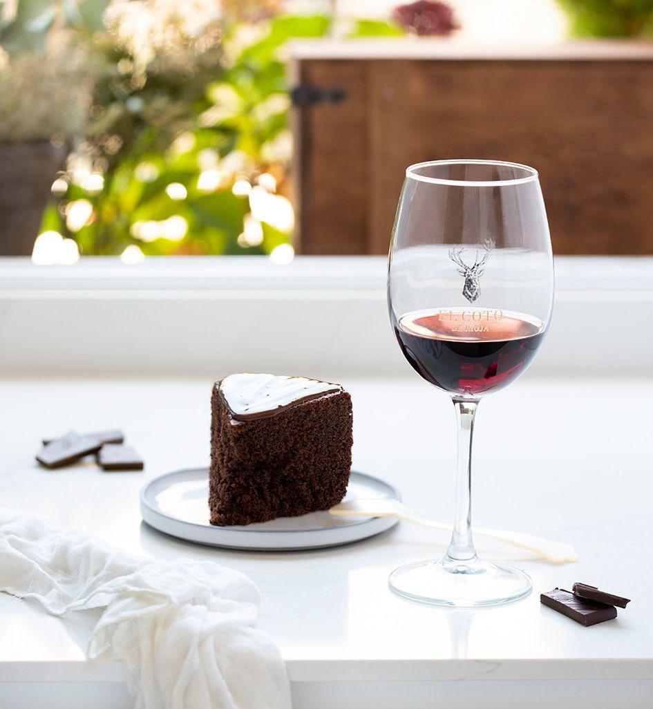 Maridar vino tinto y chocolate