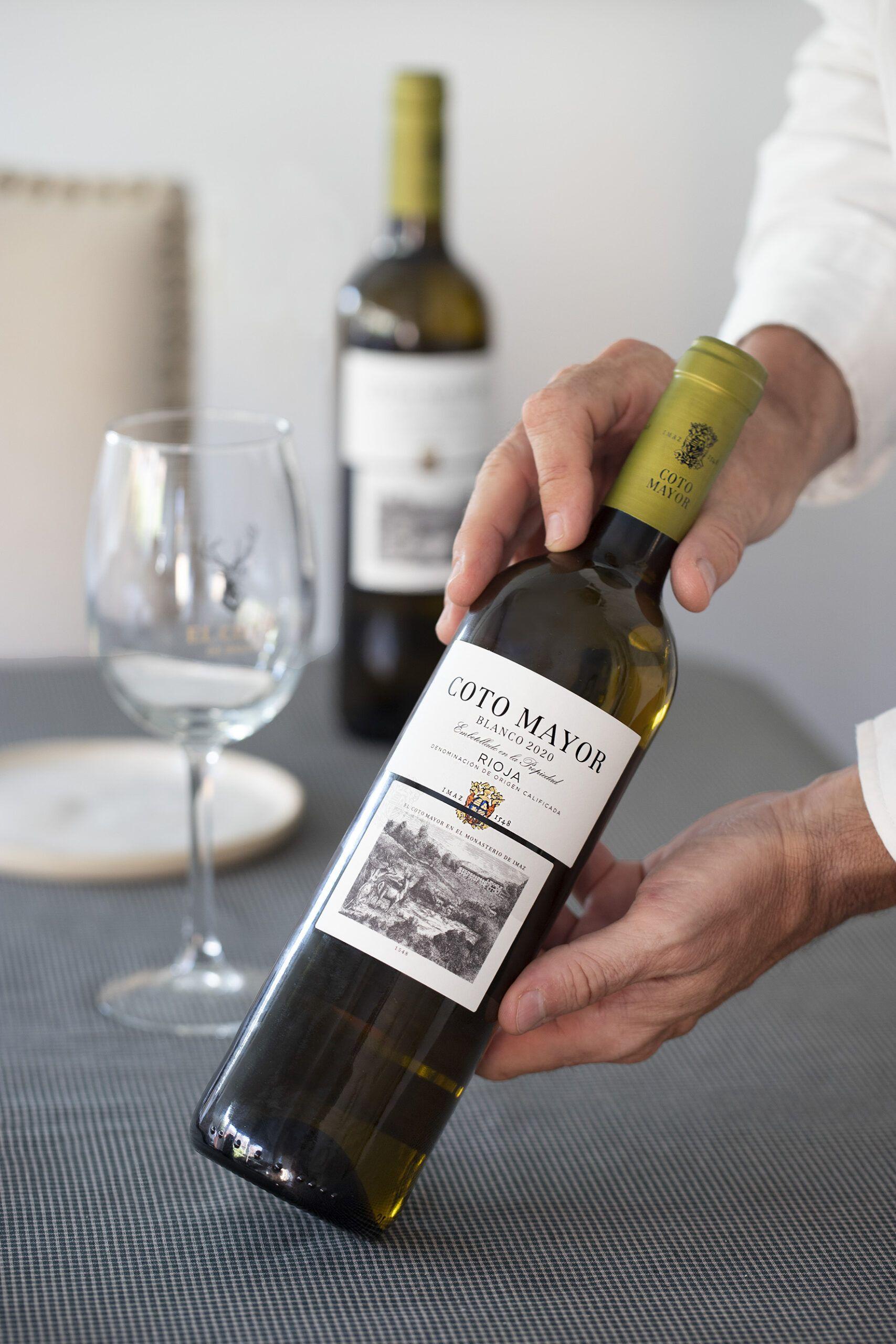 Etiqueta delantera vino